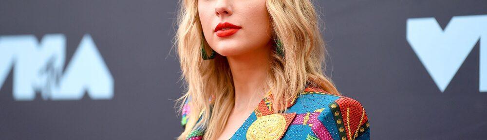 Taylor Swift Merilis Album Dengan Terlibat Beberapa Artis